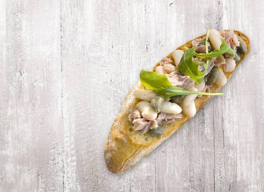 Bruschetta tonijn en witte bonen