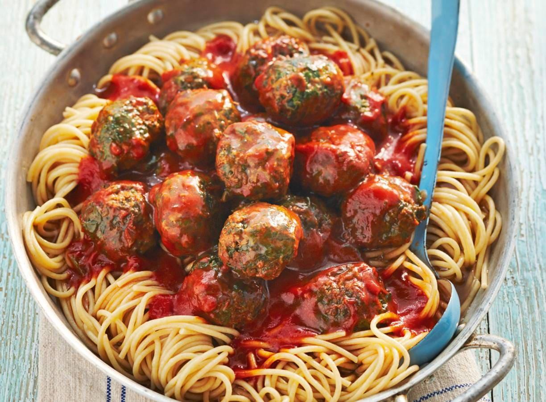 Volkorenspaghetti met spinaziegehakt