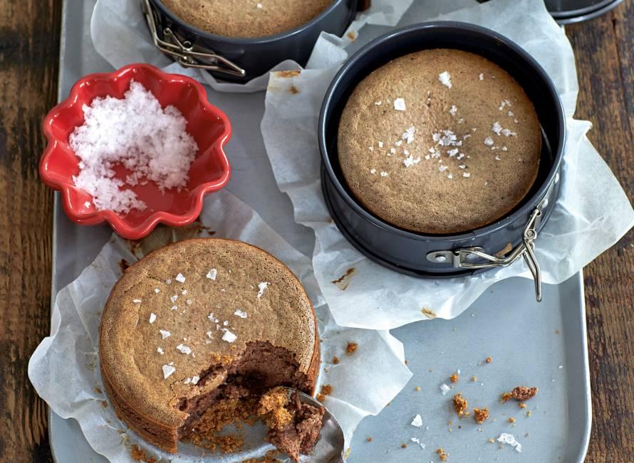 Mini-chococheesecakes met zoutjesbodem