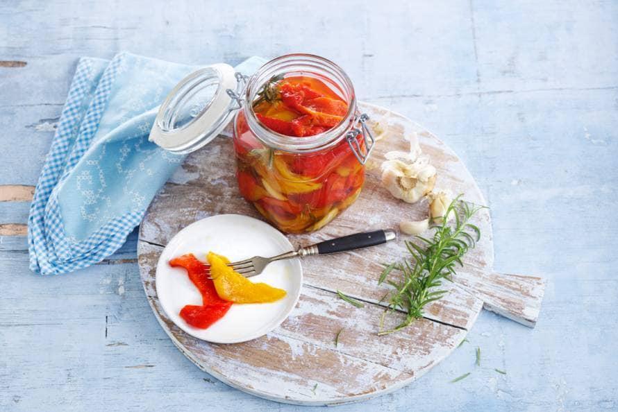 Gegrilde paprika's in het zuur