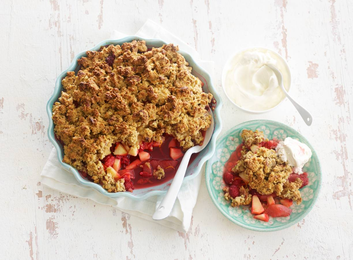 Havermoutcrumble met ahornsiroop en fruit