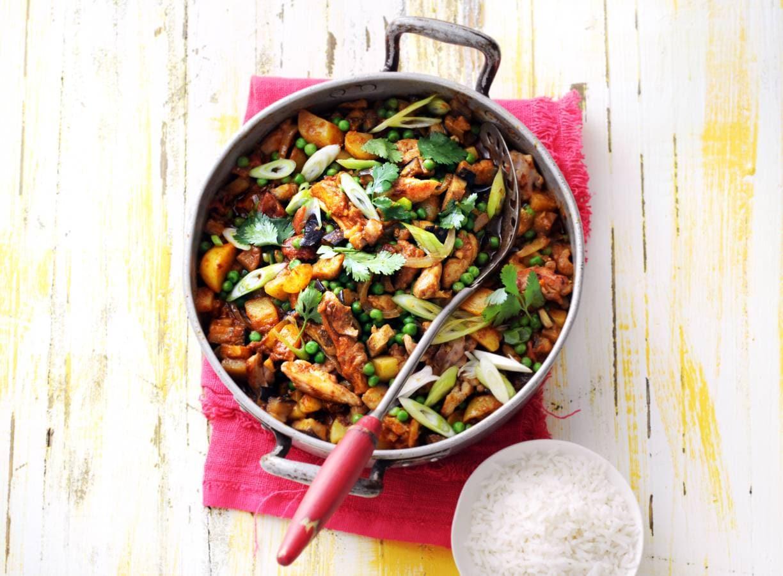 Indiase curry met kip, aardappel en aubergine