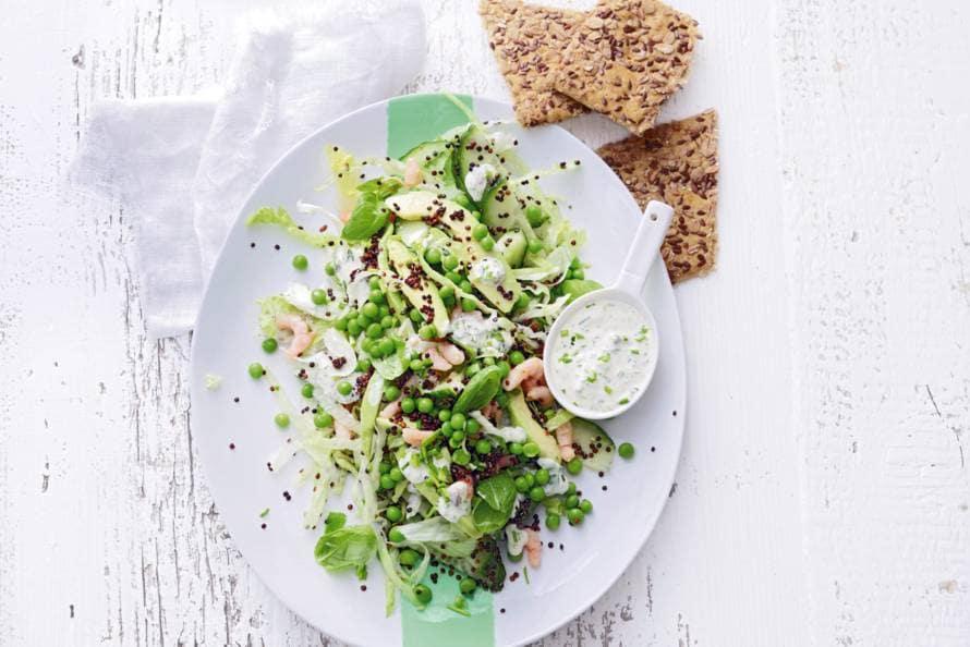 Quinoasalade met avocado en garnalen