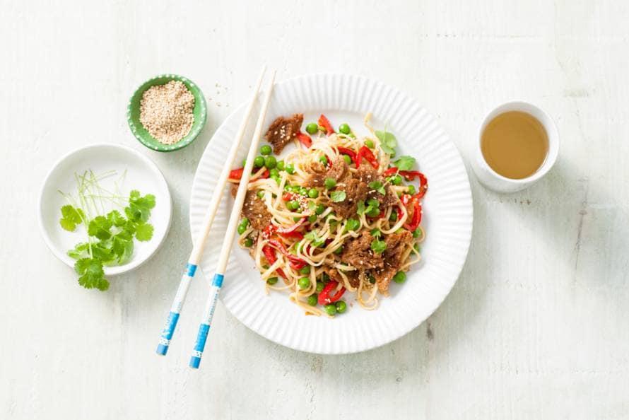 Aziatische groenteroerbak met seitan en ketjap