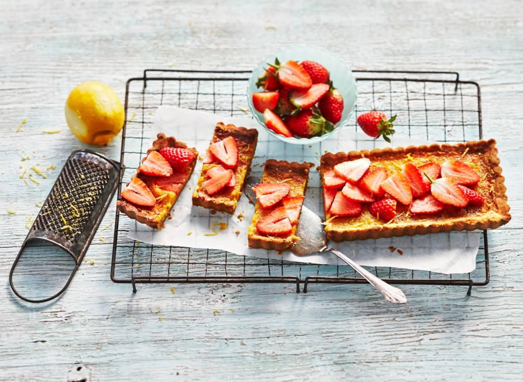 Citroentaart met aardbeien