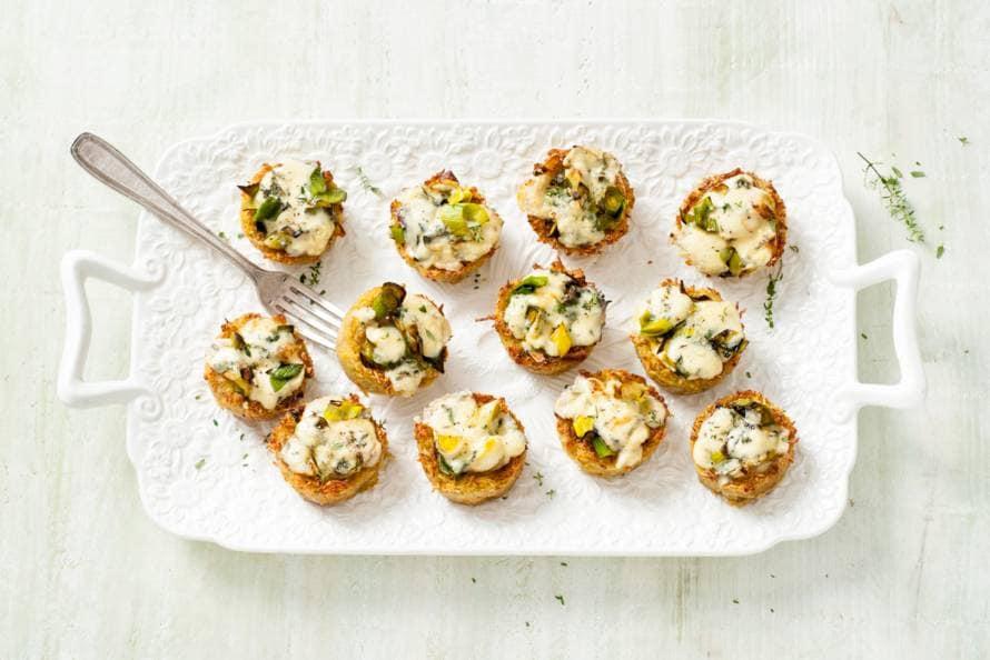 Mini-aardappeltaartjes met blauwaderkaas