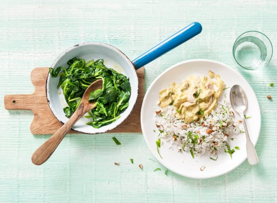 Romige kipkerrie met gember, amandel en munt rijst