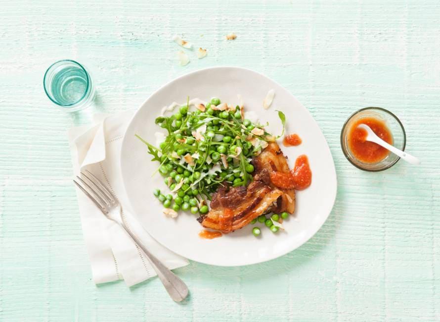 Speklapjes met tuinerwten-rucolasalade