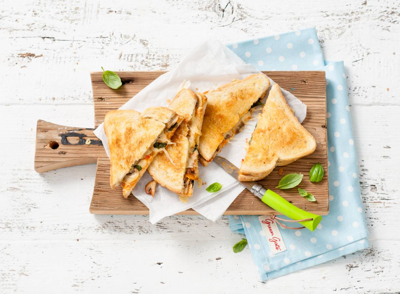 Tosti pikante sandwichspread, champignons en kaas