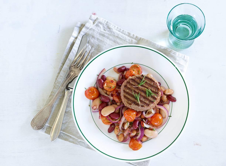 Pittige bonen met tomaatjes en tartaar