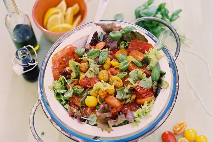 Salade van ovengedroogde tomaten