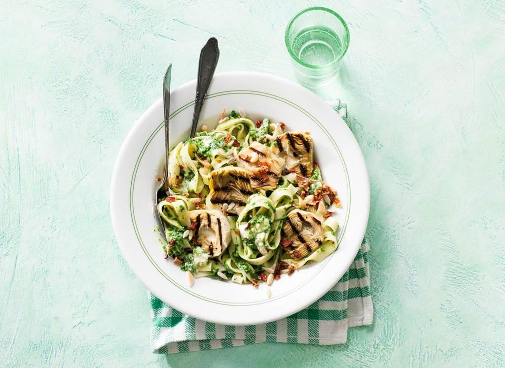 Tagliatelle met spinazie en artisjokharten