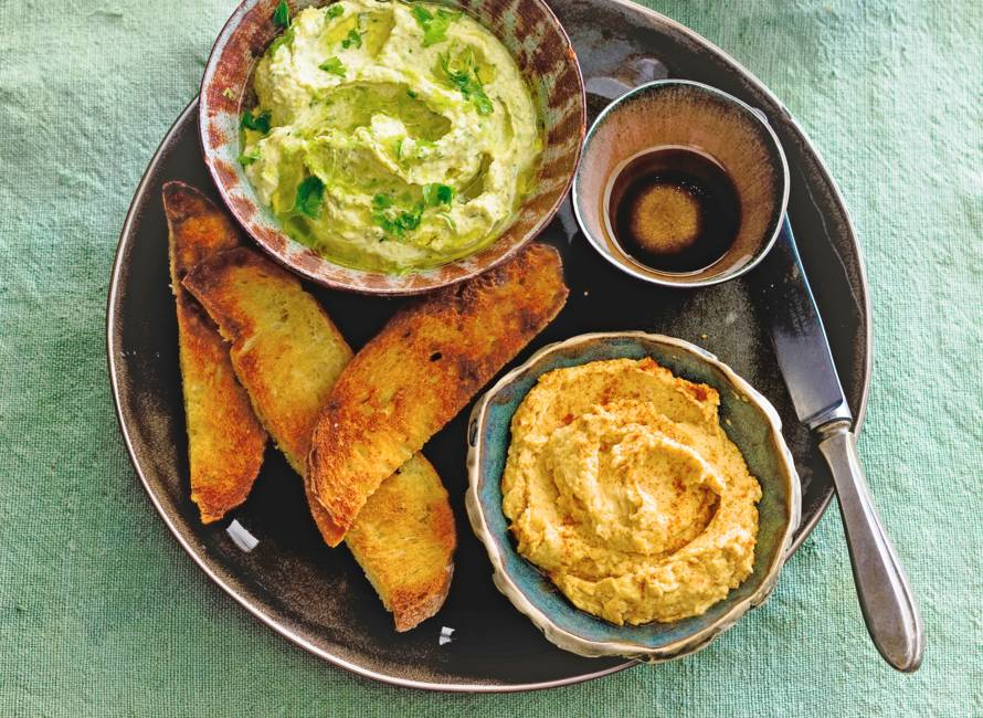 Hummus met gepofte knoflook