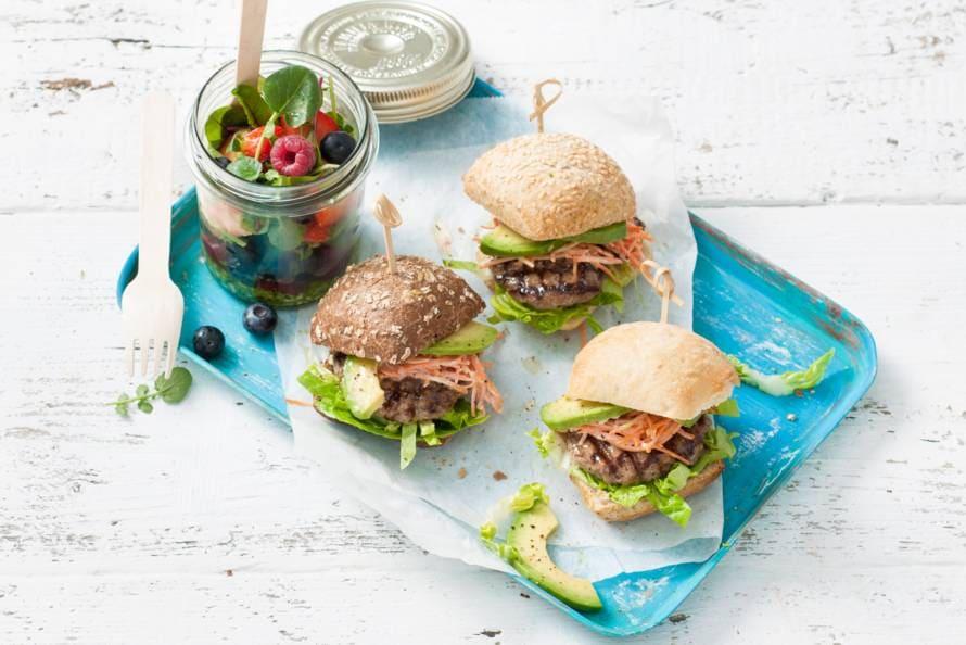 Miniburgers met avocado