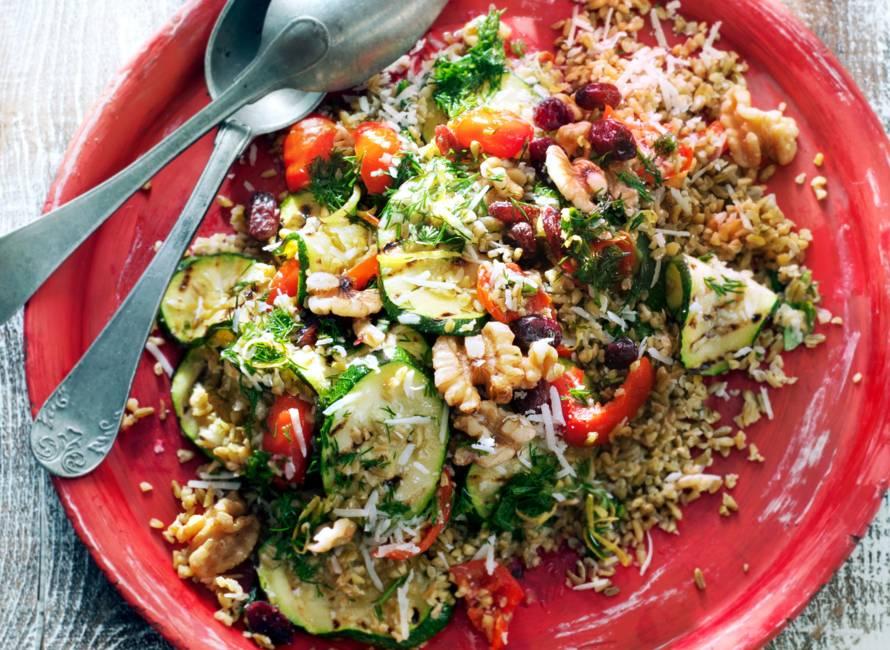 Speltsalade met courgette, peppadew en dille