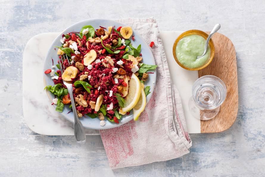 Powerfoodsalade met spinazie en bieten