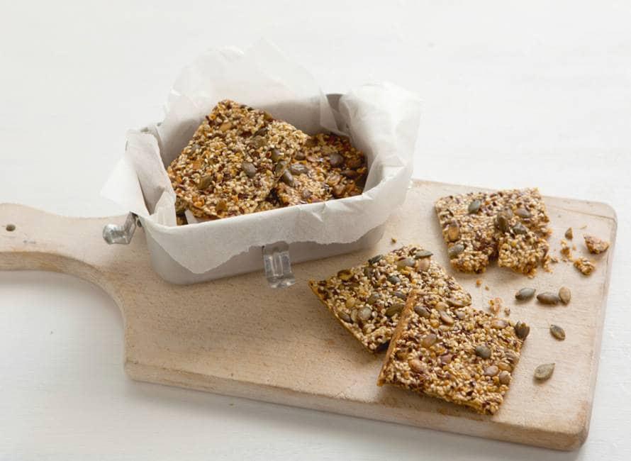 Crackers met lijnzaad en pompoenpitten
