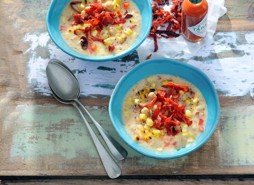 Maissoep met chorizo, kikkererwten & paprika