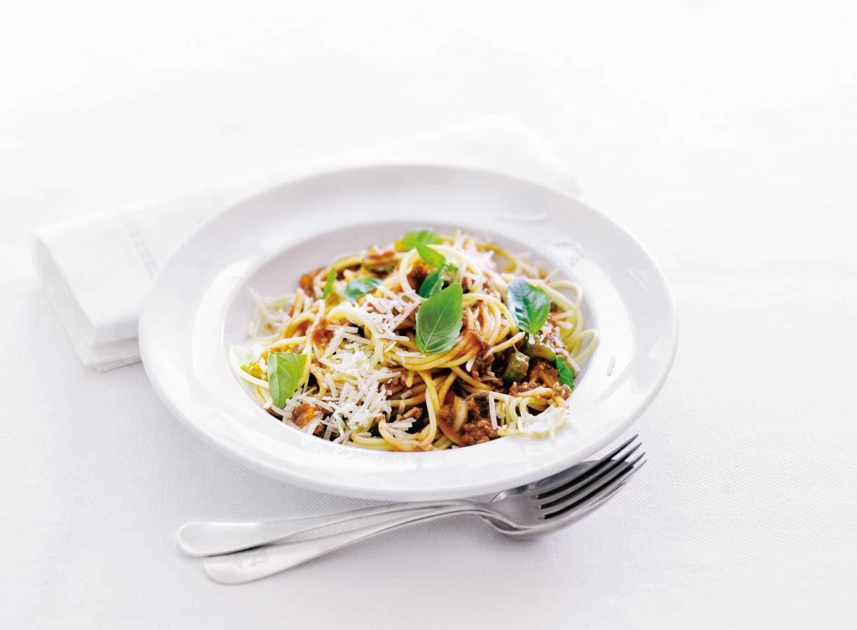 Spaghetti bolognese met Parmaham