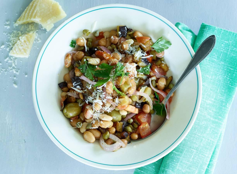 Bonenstoof met aubergine en olijven