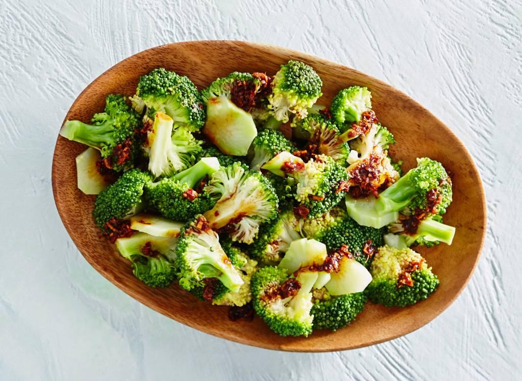 Broccoli met gember en sambal