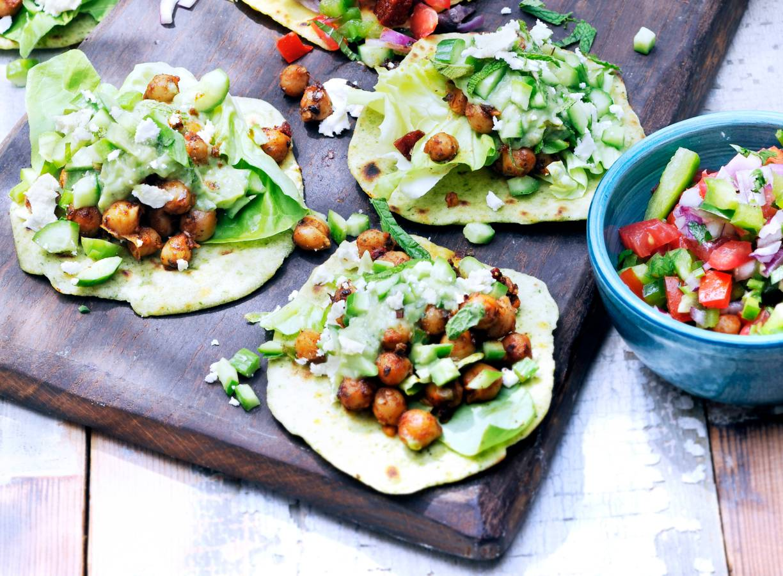 Tortilla's met avocado, kikkererwten en peper