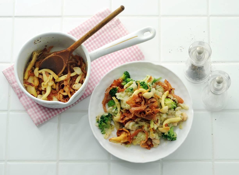 Broccolistamppot met knolselderij en witte bonen