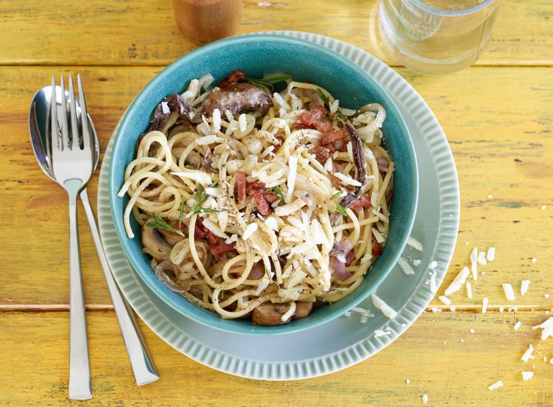 Snelle spaghetti met paddenstoelen en spekjes