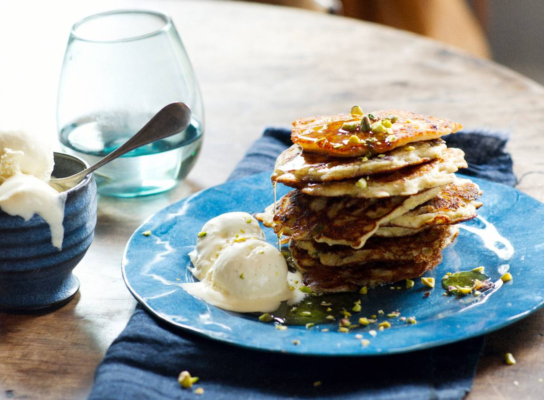 Boekweitpannenkoekjes met appel en pistachenoten
