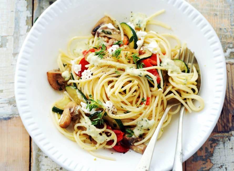 Spaghetti met paddenstoelen en courgettesaus
