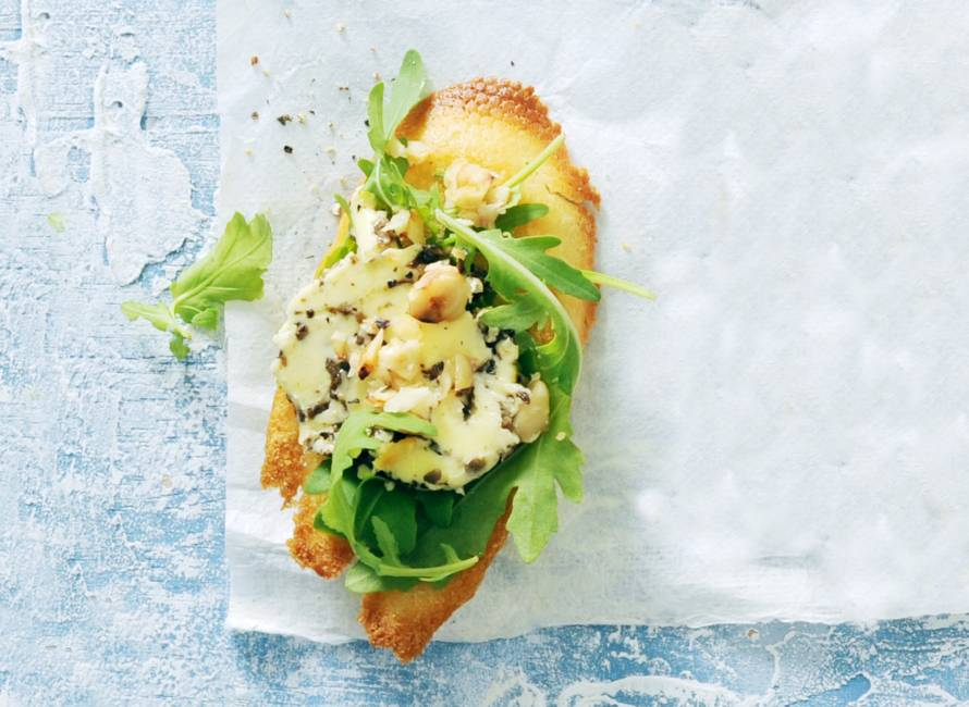 Toast met truffelboter en hazelnoot