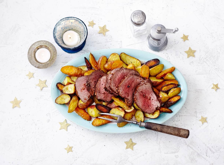 Hertenfilet met kruidenrub en geroosterde aardappel en wortel