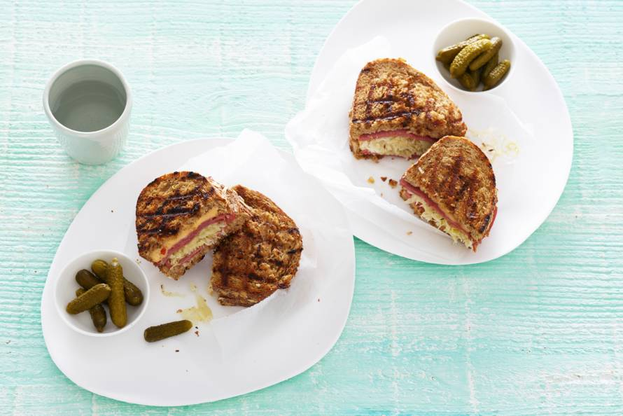 Reuben sandwich pastrami