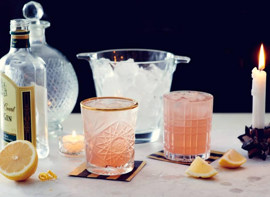 Sparkling gin lemon