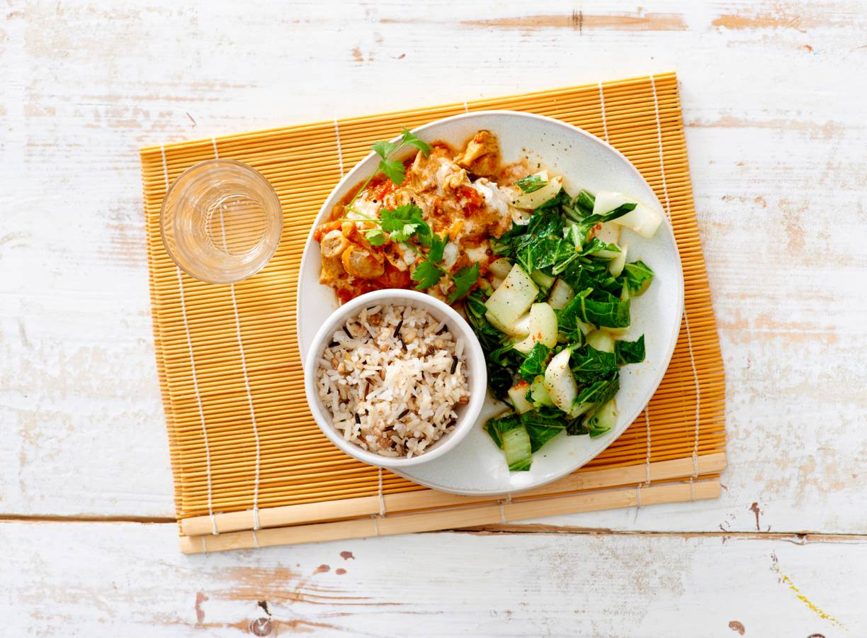 Kipcurry met paksoi en rijst