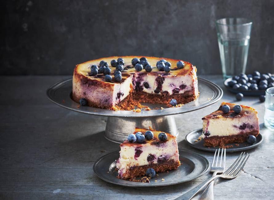 Blauwe-bessencheesecake