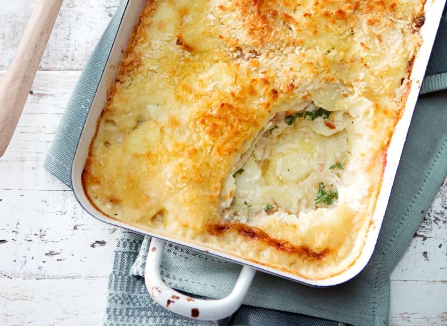 Gratin van aardappel, ansjovis en ui