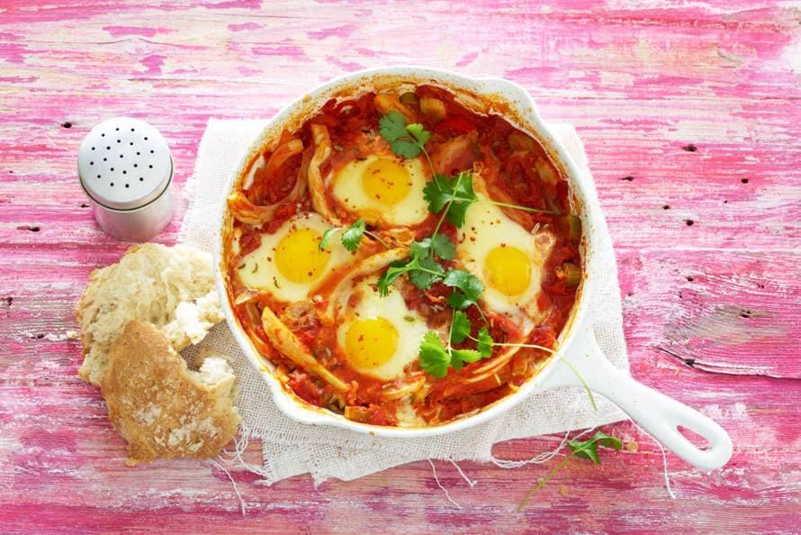 Mara Grimm shakshuka (tomatenstoof met ei & venkel)