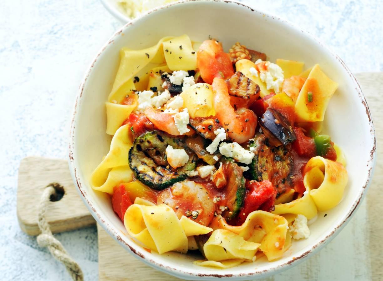 Garnalen-groentepappardelle & tomatensaus