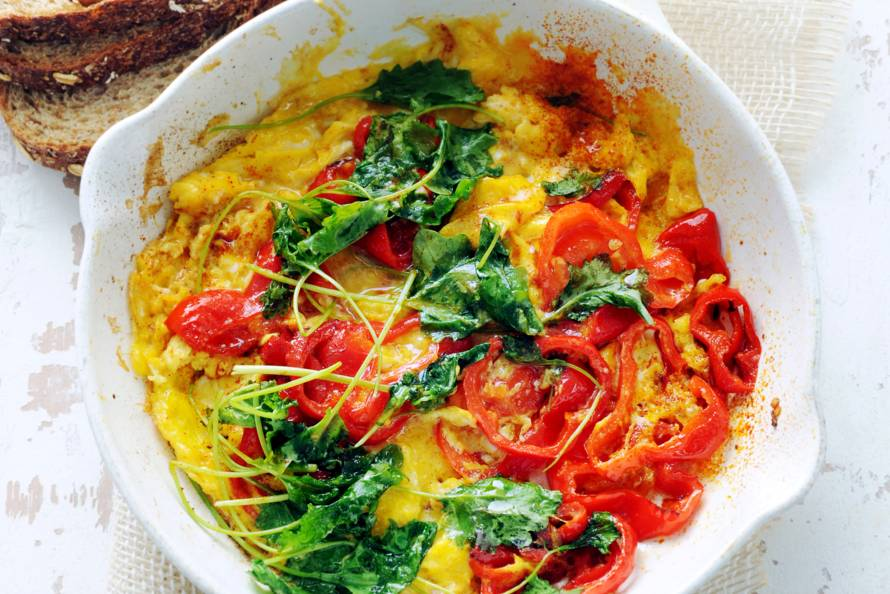 Roerei met paprika en boerenkool