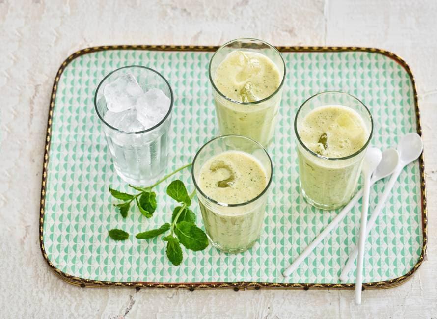 Mangolassi (yoghurtdrank met mango & munt)