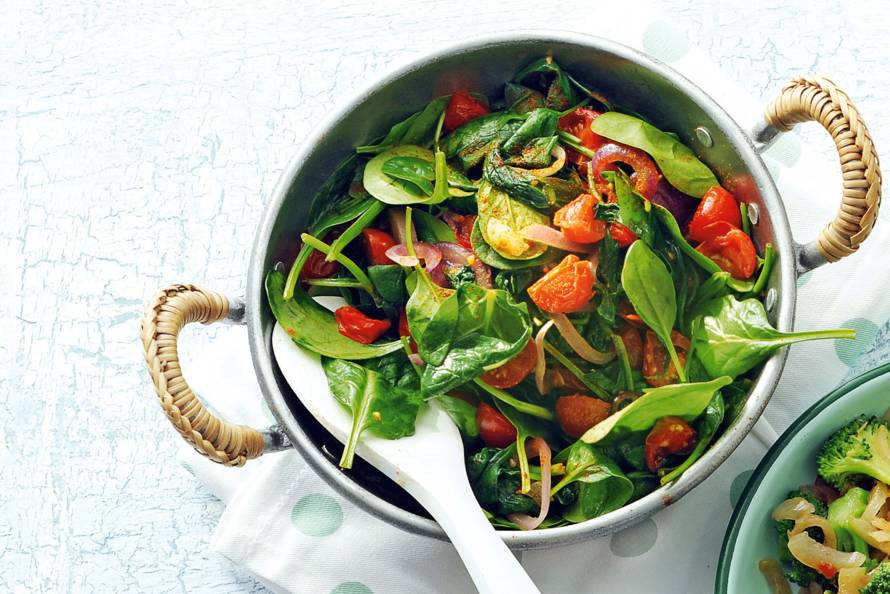wokken met verse spinazie