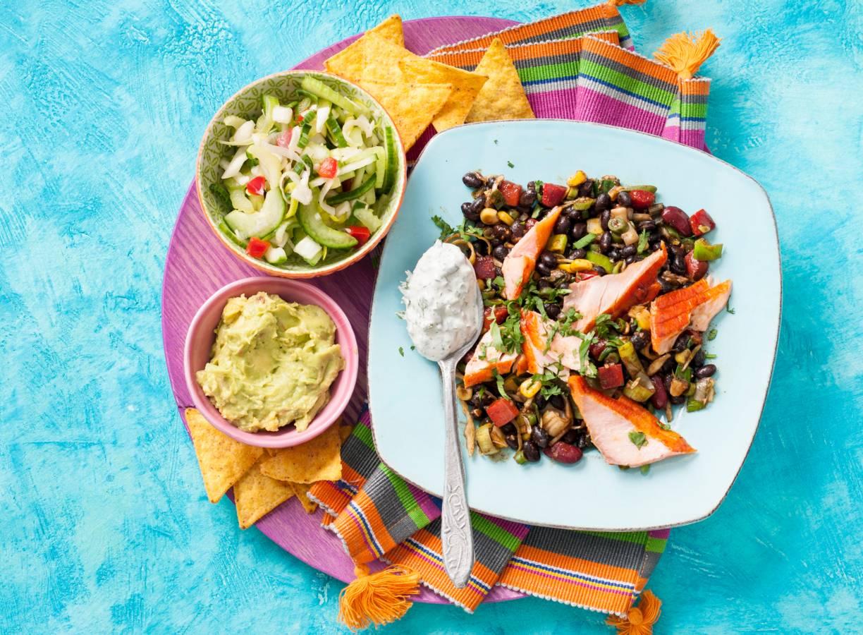 Zalmschotel met Mexicaanse groenten