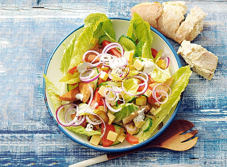 Salade met graskaas en jalapeños