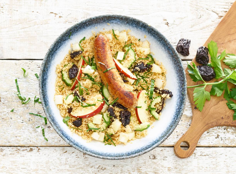Zomerse couscous met oregano-paprikabraadworst