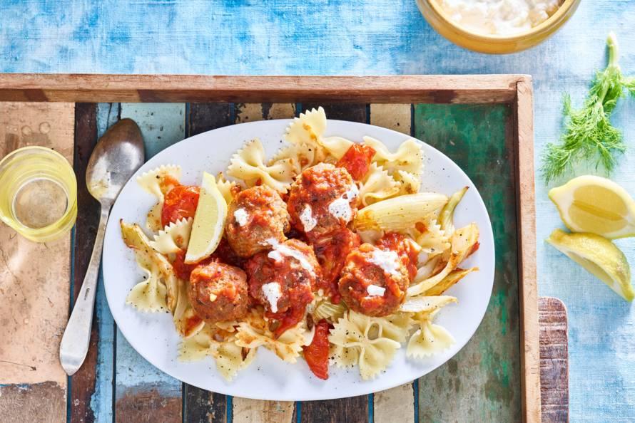 Pasta met smeuïge gehaktballetjes en gegrilde groenten