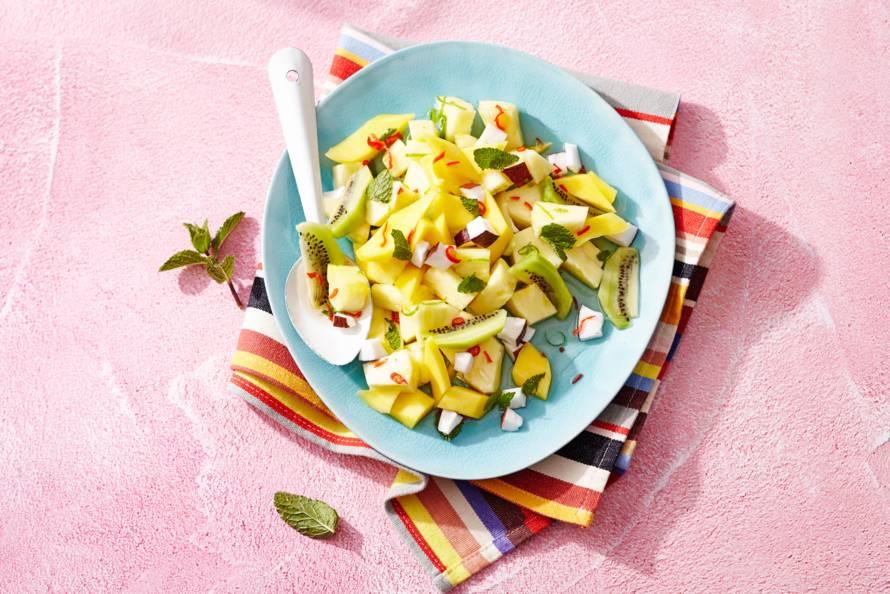 Tropische fruitsalade met rode peper en munt