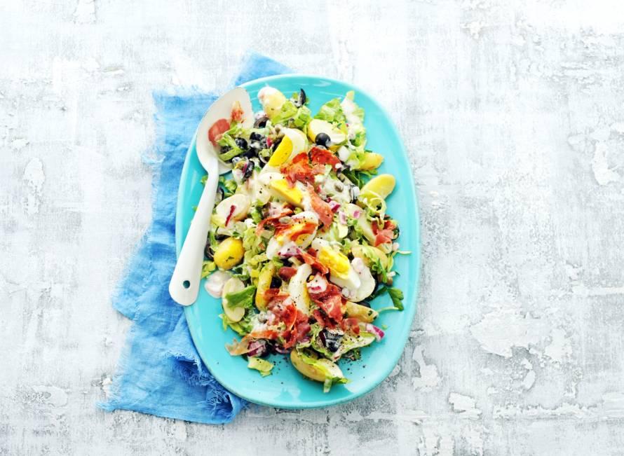 Zomerse salade met ei & pancetta