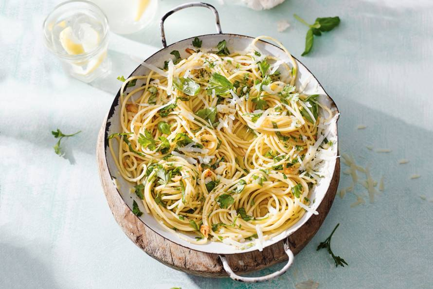 Spaghetti aglio e olio met verse kruiden