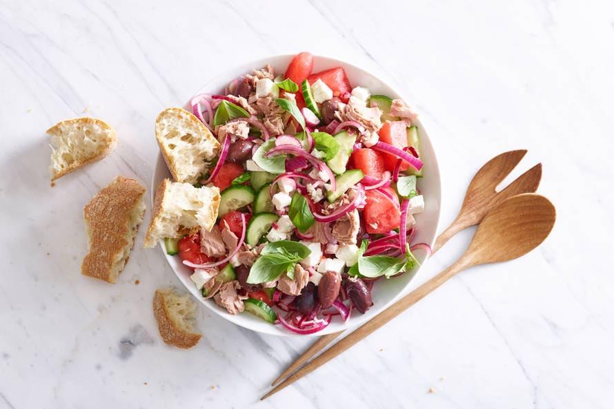 Watermeloensalade met tonijn en feta